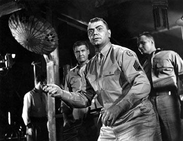 http://a3.idata.over-blog.com/360x279/4/91/79/02/archives/Tant-qu-il-y-aura-des-hommes/From-here-to-eternity---Ernest-Borgnine.jpg