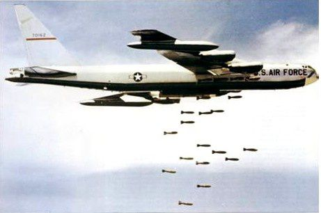 http://a3.idata.over-blog.com/461x306/4/91/36/45/USA-B52_vietnam2.jpg